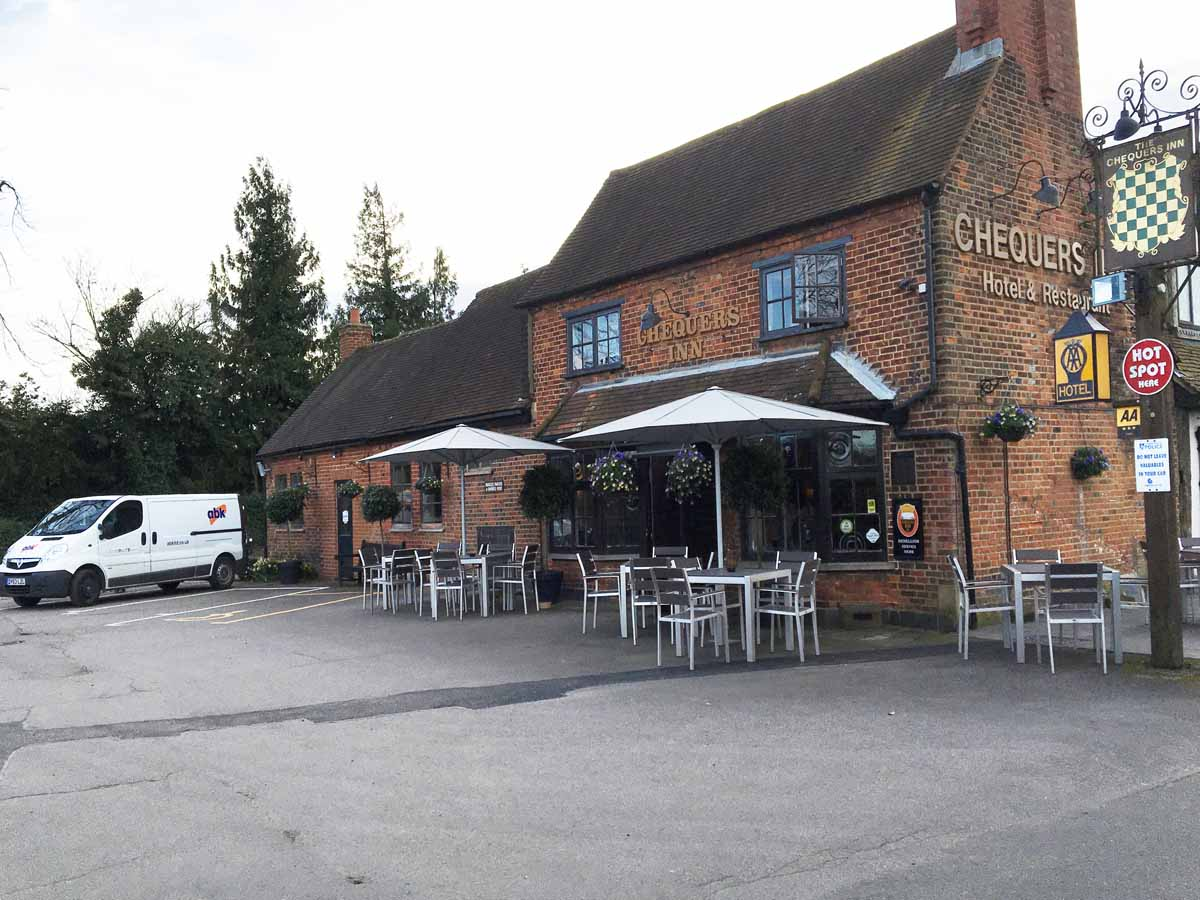 The Chequers Inn Decoration Project